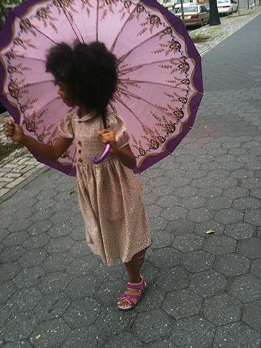 Fille à l'ombrelle